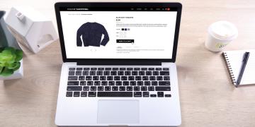 loja online aparece em tela de computador