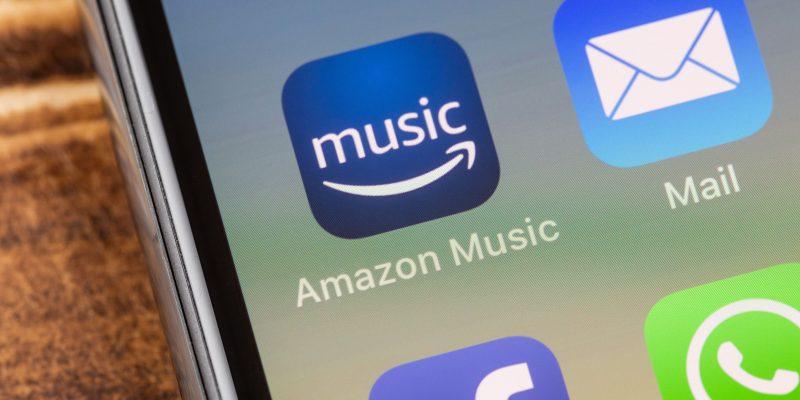 Aplicativo do Amazon Music em um smartphone.