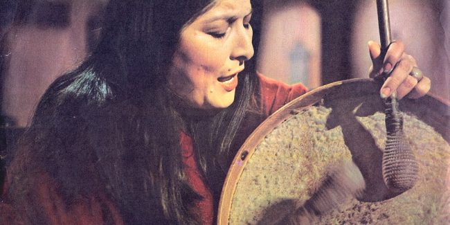 Mercedes Sosa, cantora latino-americana, em 1972.