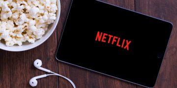 Tablet com o app da Netflix