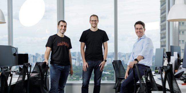 Os co-fundadores da Loft (da esq. para a dir.) João Vianna, Florian Hagenbuch e Mate Pencz.