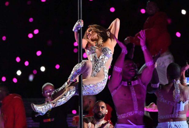 A cantora Jennifer Lopez durante apresentação no Super Bowl