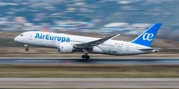 a airplane from Air Europa