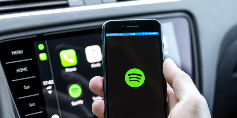 Spotify starting up on an iPhone 8 connected to a new Skoda car.